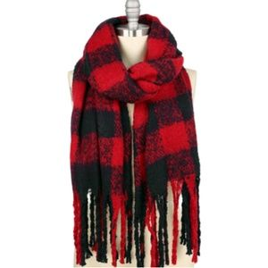 Red Black Buffalo Checked Fringed Oblong Scarf